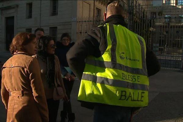 Un Gilet Jaune manifestant contre les violences policières à Montpellier le 15 janvier 2019