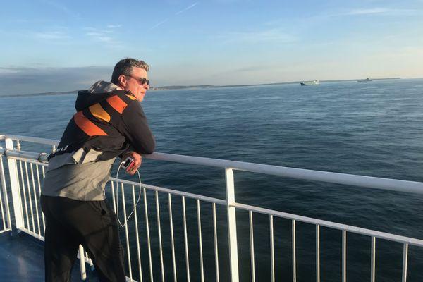 Alain Simac-Lejeune, face à la mer