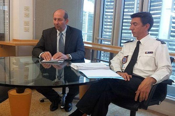 Montpellier - Christophe Barret, procureur de la République et Benoît Desmartin, directeur de la sûreté nationale, lors de la conférence de presse - 3 avril 2014.