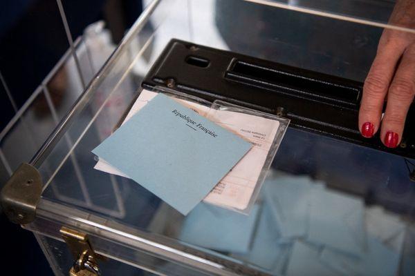 Toulouse - 1.100 assesseurs sont nécessaires pour faire fonctionner les 263 bureaux de votes - archives.