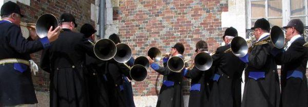 Concert de trompes au Manoir de Chambray (Eure) pour les Journées du patrimoine 2017