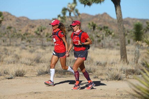 C'est sous la chaleur, dans la parc national Joshua Tree, que les 2 championnes ont parcouru une grand partie de leurs épreuves de course à pied.