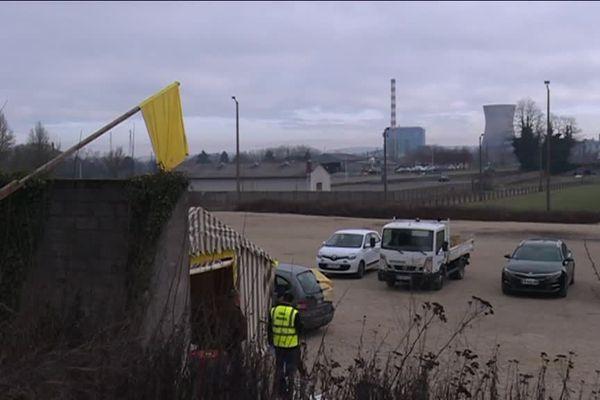 """Les gilets jaunes """"du Magny"""", en référence à un rond-point longtemps occupé à Montceau-les-Mines, comptent rencontrer le Président de la République"""