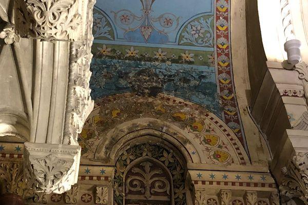 Des fresques de la Basilique d'Ars comme lavées par l'eau qui a pénétré ce dimanche 3 octobre au soir.