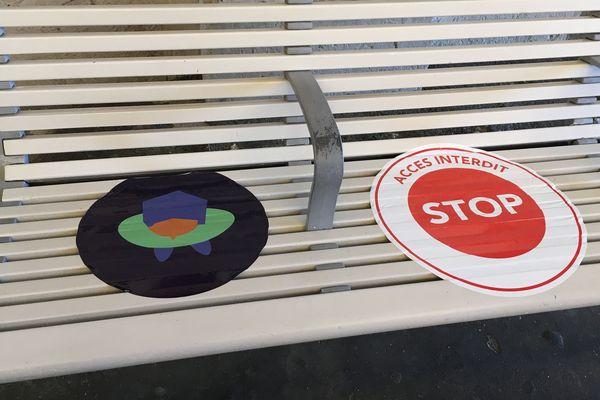 Sur les quais comme dans les trains, seule une place sur deux est autorisée aux usagers.