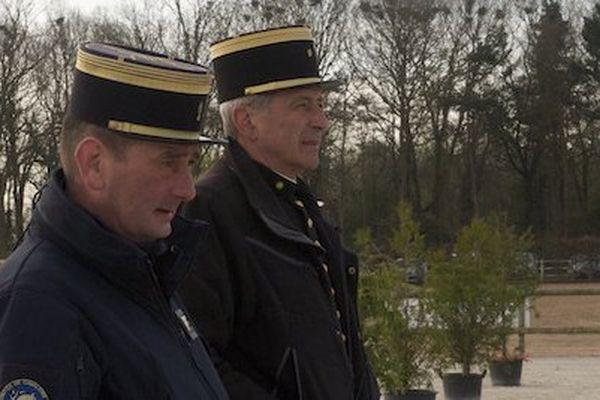 Philippe Célérier (1er plan), coordinateur, aux côté de Philippe Limousin, Ecuyer-entraîneur, lors de la détente.