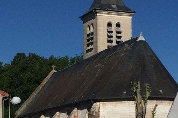 La vieille église de Rumigny est restée intact mais pas son clocher.