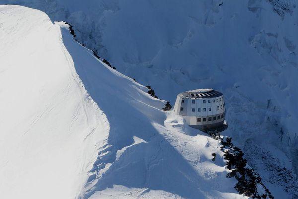 Le refuge du Goûter est situé à 3 835 mètres sur les pentes du Mont-Blanc.