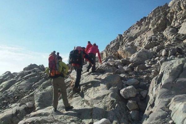 Pour les randonneurs en montagne il sera difficile de respecter une distance de 10 m entre chaque.