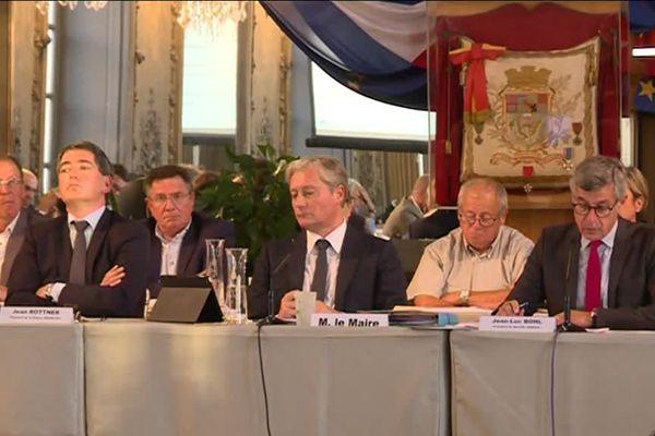 Conseil municipal extraordinaire à Nancy mardi 8 septembre pour un débat avec les élus du sillon lorrain a propos de la LGV.