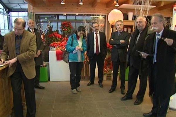 Philippe Messer (à droite) accueillait ce mercredi 12 décembre des acteurs de l'artisanat et des hommes politiques de la région.