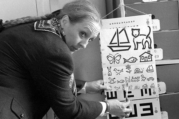 Face à l'absence cruelle de médecins scolaires dans l'Ain, les parents d'enfants DYS ont saisi la Défenseure des Droits pour dénoncer une rupture d'égalité de droits et une discrimination préjudiciable à leurs enfants.