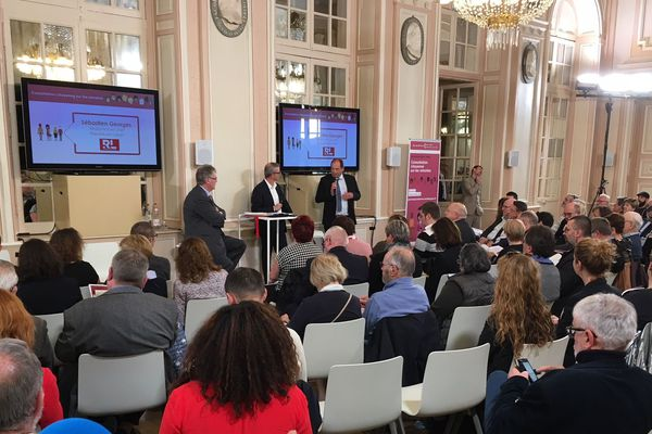 Jean-Paul Delevoye a participé à un débat public entre 19h et 20h30 à l'hôtel de ville de Metz devant plus de 100 personnes