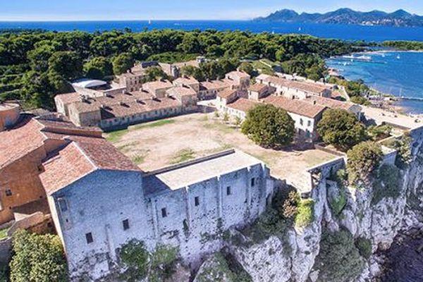 Le musée de la Mer est situé dans le Fort royal de l'île Sainte-Marguerite.