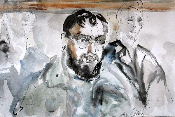 """Paris : croquis d'audience réalisé le 04 janvier 2005 au tribunal correctionnel de Paris, montrant le Franco-Algérien Djamel Beghal lors de l'ouverture du procès du réseau de terroristes islamistes accusé d'avoir voulu commettre un attentat suicide contre l'ambassade des Etats-Unis à Paris courant 2002. M. Beghal est considéré comme le chef de ce réseau ayant des ramifications en Angleterre, en Belgique, en Espagne, aux Pays-Bas, et en Allemagne. Après avoir purgé sa peine, il a été assigné à résidence dans un hôtel de Muret (Cantal). Il comparait à partir du 12 novembre pour """"association de malfaiteurs en relation avec une entreprise terroriste"""" devant le même tribunal pour un présumé projet d'évasion."""