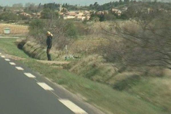 De nombreuses prostituées exercent en bordure de route dans notre région.