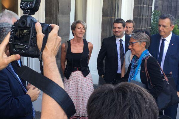 La Ministre des transports Élisabeth Borne était très attendue à Clermont-Ferrand, le 28 août. Elle devait notamment visiter le centre de recherche de MIchelin, mais est finalement rentrée dans la précipitation suite à la démission de son ministre de tutelle, Nicolas Hulot.