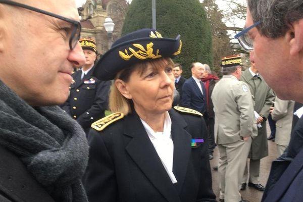 Après avoir quitté Ajaccio à 6 heures ce matin, Josiane Chevalier prend ses fonctions de préfète à Strasbourg
