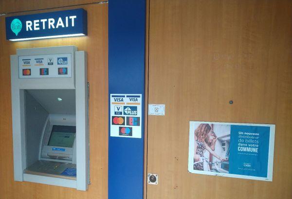 Le distributeur de billets indépendant de Locmaria-Plouzané est implanté en plein centre de la ville