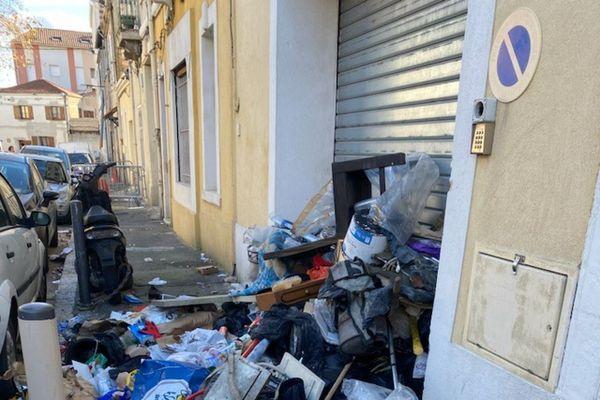 13 janvier 2021, après deux semaines de grève, dans une rue du 15ème arrondissement de Marseille.