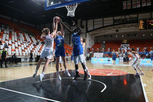 Basket Landes face à Lyon, le 13 mai à Bourges.