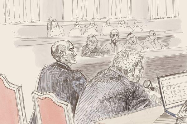 Dessin des deux journalistes français témoignant au procès de Mehdi Nemmouche et décrivant un homme fasciné par Merah