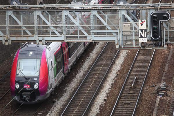Les usagers de la ligne P et du RER E ont lancé une pétition en ligne pour demander le remboursement de leur abonnement Navigo.