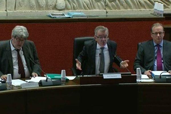 François Bonneau (au cnetre) président PS de la région Centre