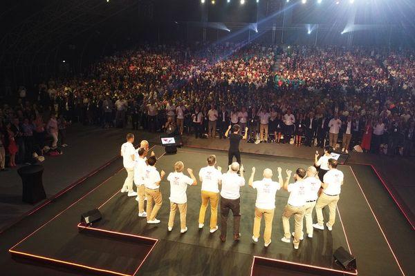 Une convention avec plusieurs milliers de participants