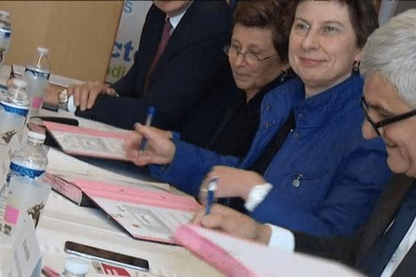 Clotilde Valter, secrétaire d'état à la formation professionnelle, et Hervé Mroin, président de la Région Normandie, ce lundi à Maltot, dans le Calvados