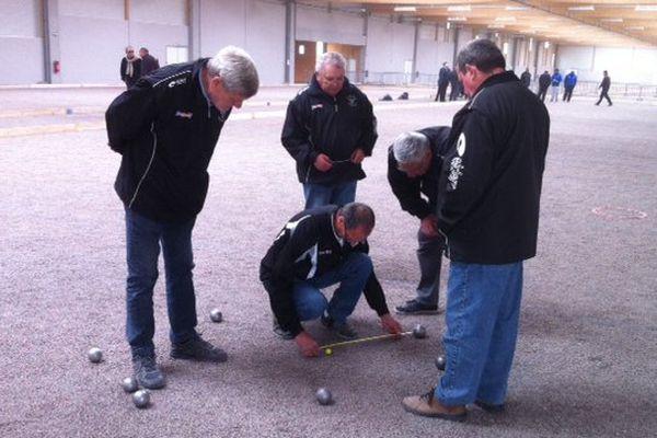 Les boulistes vétérans de l'Allier inaugurent le boulodrome de Montluçon