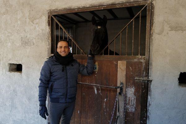 """Lors des intempéries, il lui a fallu sauver les chevaux : """"On craignait le vent, les tôles qui s'envolaient. Même dans les camions, on ne savait pas s'ils étaient à l'abri""""."""