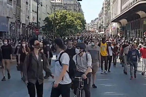 La Marche des solidarités se tient malgré l'interdiction par la préfecture de police