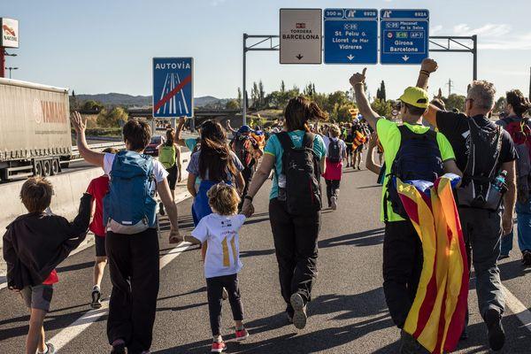 Gérone (Espagne) - manifestation contre les peines de prison ferme annoncées par la cour suprême de Madrid contre 9 indépendantistes de Catalogne - octobre 2019.