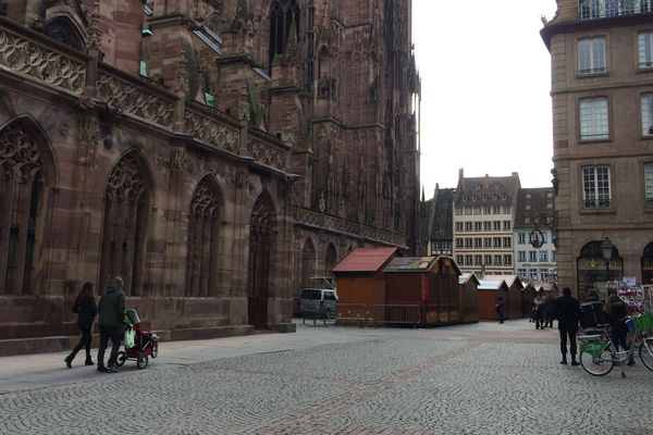 Place de la cathédrale, J moins 5
