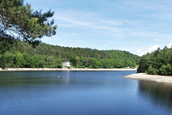 Le Lac de Bariousses, à Treignac.