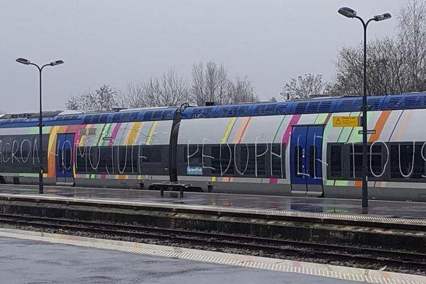 Un TER a été tagué en gare de Wissembourg, dans la nuit du 23 au 24 décembre