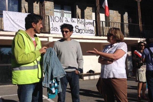 Manifestation contre la réforme des rythmes scolaires. Les Angles le 3 septembre 2014.