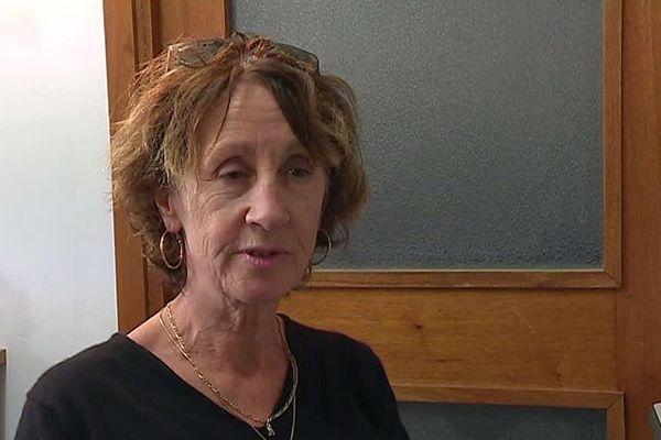 Hilary Salmond, Britannique de Nîmes.