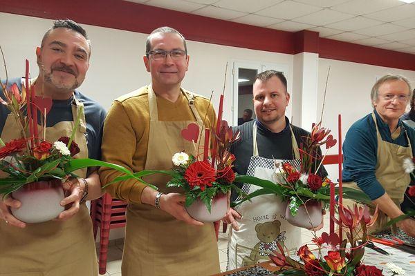 Les amoureux d'Auguaise - confection de bouquets de St Valentin