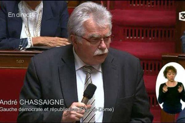Le 10 mai à l'Assemblée Nationale, André Chassaigne s'élève contre le recours à l'article 49.3 utilisé par le gouvernement de Manuel Valls.