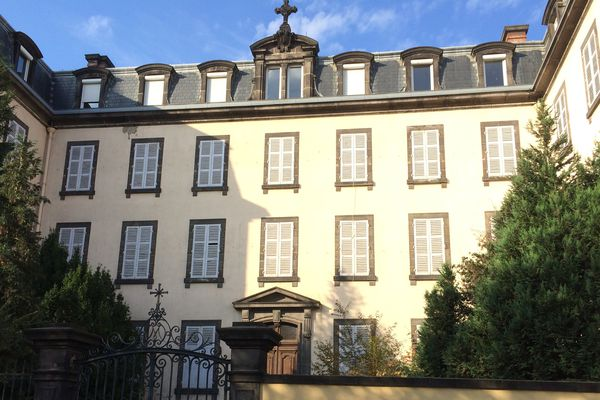 Plan hiver : le lycée Monanges à Clermont-Ferrand vient d'ouvrir, le 11 décembre 2017, 24 places d'accueil. A terme, il devrait disposer de 75 places.