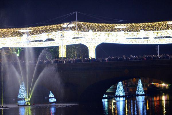 Le pont A Briand en lumière