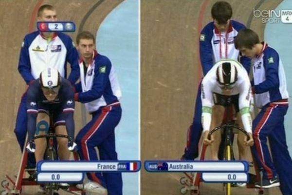 Julien Palma au poste de démarreur (à gauche) - Finale de vitesse par équipes - Championnat du monde de Minsk