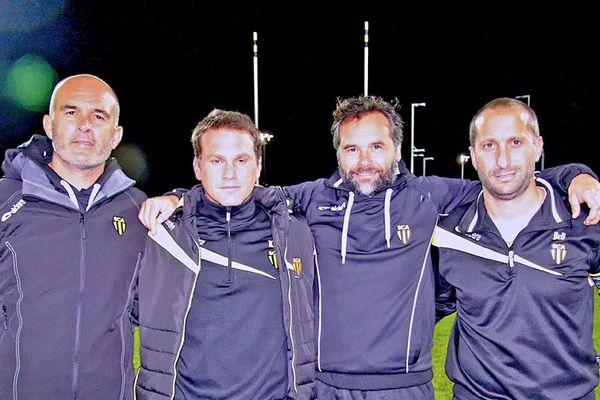 Rémy Ladauge (deuxième en partant de la gauche) était membre du staff du SC Albi, actuel septième de ProD2