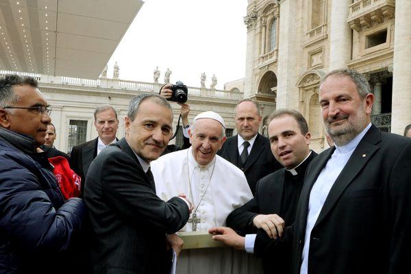 Les élus corses avec le Pape François.