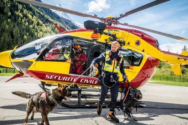 François NIcard et son chien d'avalanche.