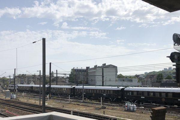 Le plus mythique des trains de l'histoire ferroviaire a fait un court arrêt à la gare de Creil