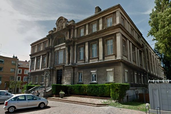 """Deux kurdes et trois Français sont jugés ce vendredi à Dunkerque pour """"aide à l'entrée et au séjour illégal en bande organisée""""."""