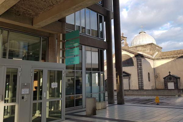 Mardi 8 décembre, le tribunal judiciaire de Clermont-Ferrand s'est prononcé sur le volet de l'indemnisation des familles de victimes du Meningitec. Les familles ont été déboutées.